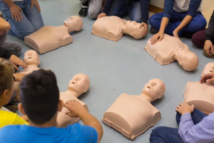 First aid resuscitation course in primary school.